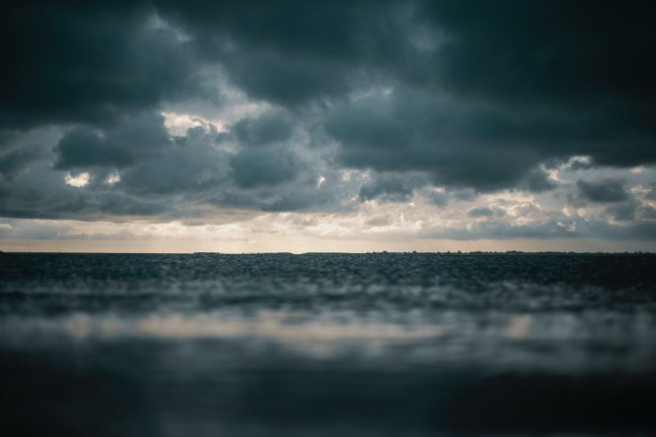 beach-clouds-dark-1154510